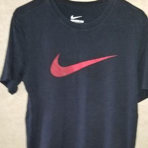 Medium nike shirt
